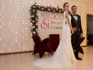 Sposi con abiti Magico Si